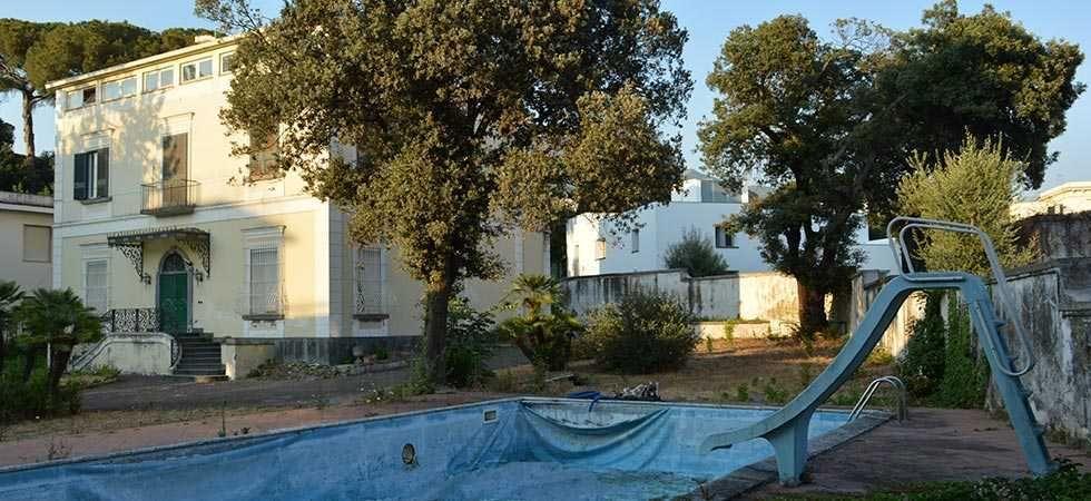 dimora-vende-villa-vesuviana-piscina